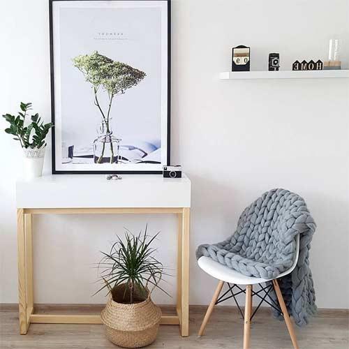 Mesa para el recibidor de estilo nórdico